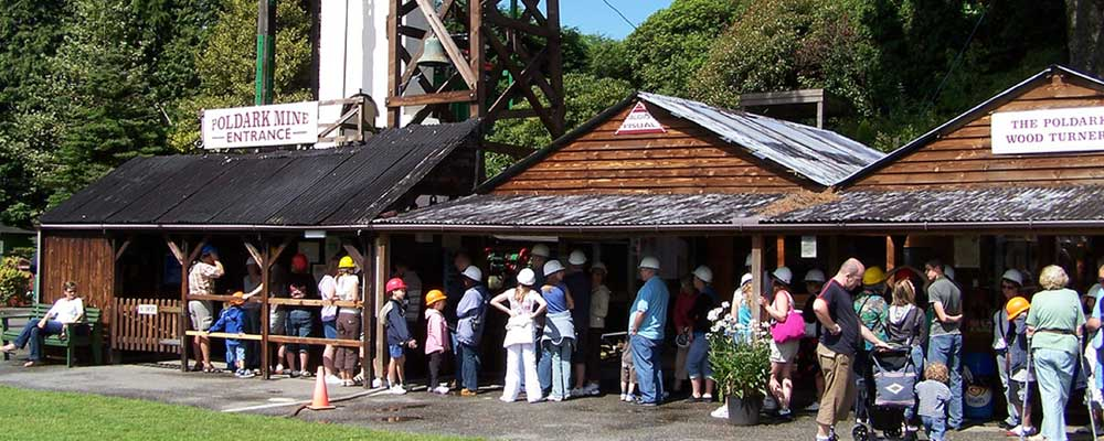 queuing for the mine tour, poldark mine